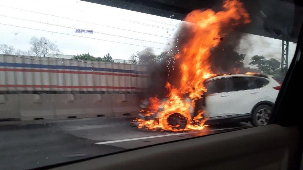 Kasus CR-V Terbakar di Tol Cikampek, Honda Lakukan Investigasi