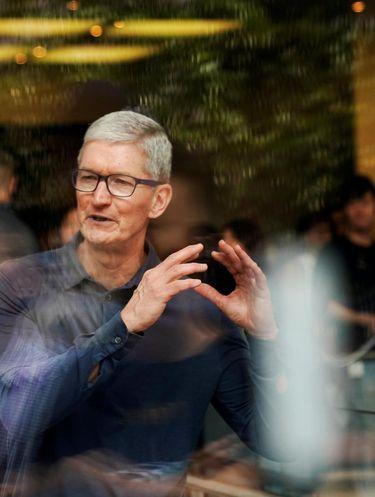 CEO Apple Tim Cook bangun pagi untuk olahraga.