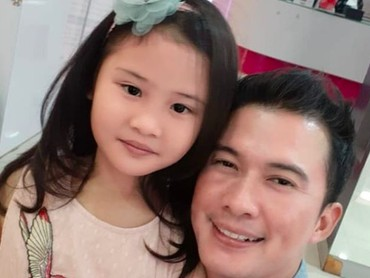 Happy-nya Ayah Mandala Shoji saat menghabiskan waktu bareng Zara. (Foto: Instagram @mandala_abadi_shoji)