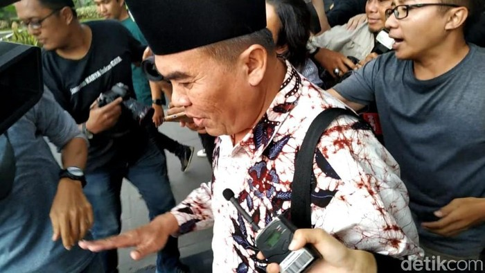 Bupati Jepara Ahmad Marzuki usai menjalani pemeriksaan di KPK (Foto: Ahmad Bil Wahid/detikcom)