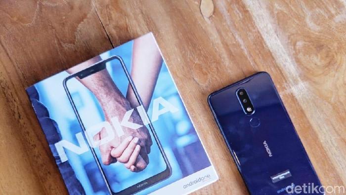 Nokia 5.1 Plus, satu dari sekian model Plus yang dianggap HMD Global bikin bingung masyarakat. Foto: detikINET/Adi Fida Rahman
