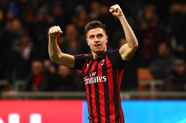 Krzysztof Piatek jadi bintang kemenangan AC Milan atas Napoli di Coppa Italia baru-baru ini. Memborong dua gol, Rossonerri melangkah ke babak semifinal (Marco Luzzani/Getty Images)