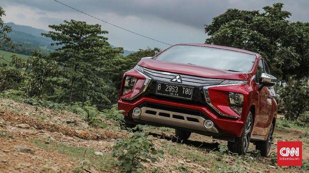 Mitsubishi Xpander sampai di lokasi Curug Sodong, Sukabumi.