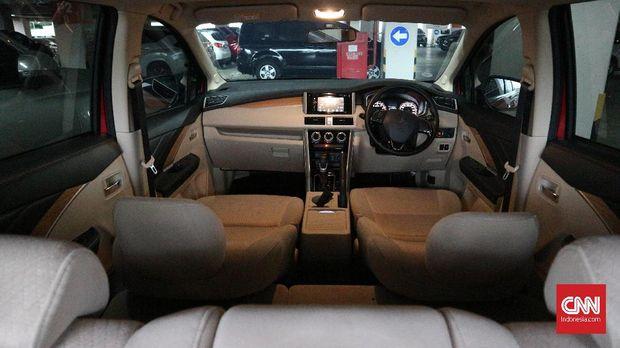 Interior Mitsubishi Xpander mampu menampung 7 penumpang.