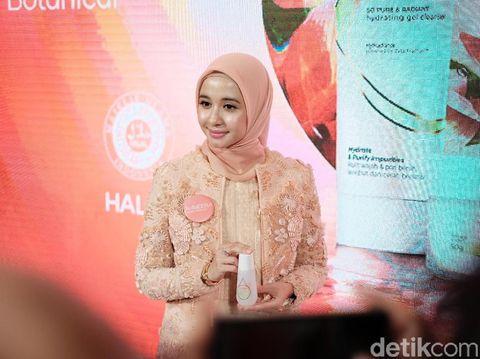 Laudya Cynthia Bella Digandeng Jadi Brand Ambassador Skin Care Halal
