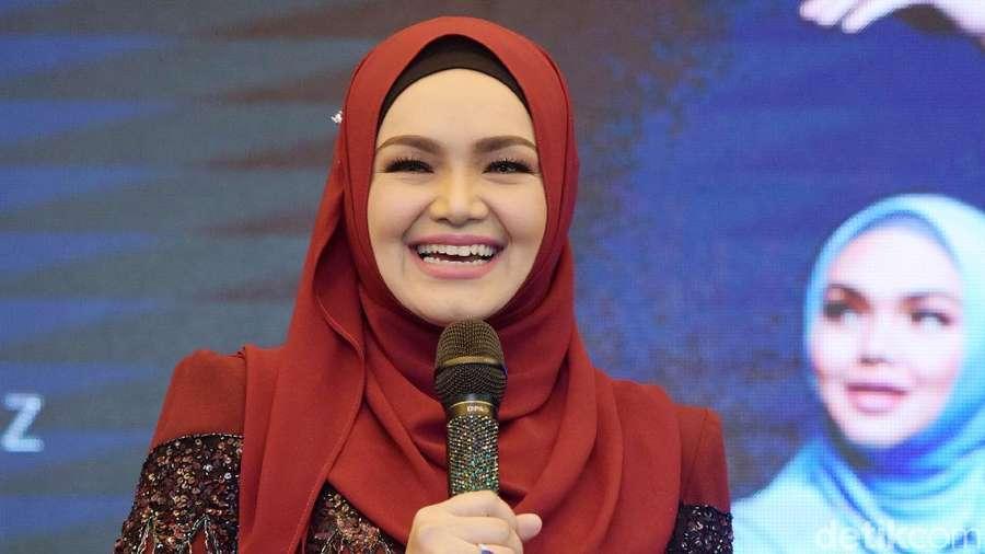 Kilas Balik Siti Nurhaliza, Pernah Jualan Kue di Kampung