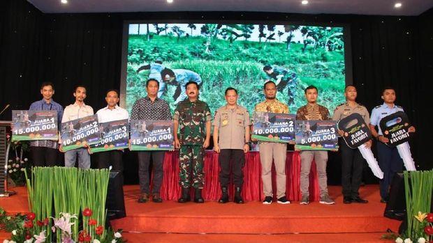 Sinergitas Polri-TNI dalam Kompetisi Karya Foto