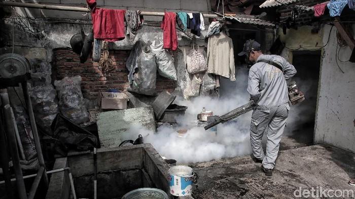 Fogging bukan solusi utama pencegahan demam berdarah. (Foto: Pradita Utama)