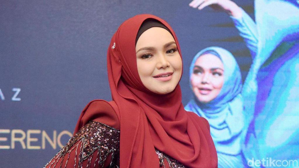 Wajah Tanpa Makeup Siti Nurhaliza Saat Umrah Bikin Netizen Terpana