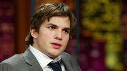 Ashton Kutcher Umbar Nomor Telepon di Twitter, Apa Alasannya?