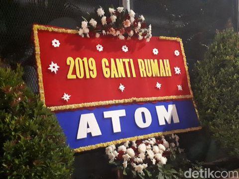 Ahmad Dhani, Kamu Dapat Karangan Bunga Lagi Nih!