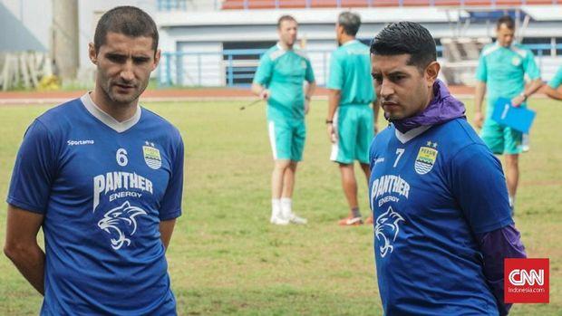 Srdan Lopicic dan Esteban Vizcarra sama-sama mencetak gol.