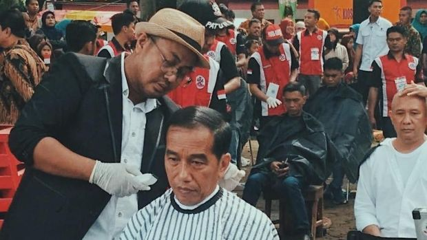 Pria Ini Bisnis Pangkas Rambut Premium hingga Jadi Langganan Jokowi