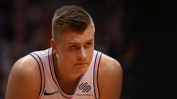Kristaps Porzingis di-trade dari New York Knicks ke Dallas Mavericks. Foto: Christian Petersen/Getty Images