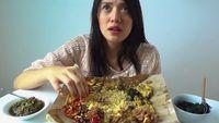 Ngidam Nasi Padang, Annisa Aziza Kalap Makan Ikan Bakar Hingga Gulai Otak