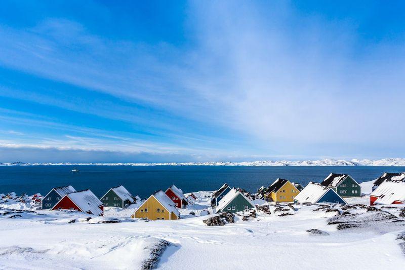 Ittoqqortoormiit merupakan desa terpencil di dunia yang berada di bagian timur Greenland, dekat Kutub Utara (iStock)
