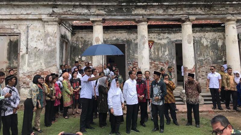 Pada Jumat (1/2/2019) Presiden Jokowi melakukan kunjungan kerja ke Ngawi Jawa Timur. Dia mampir ke Benteng Pendem, destinasi wisata sejarah di sana (Ray Jordan/detikcom)