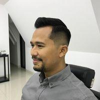 Tren rambut 2019 bergaya Fade dengan tatanan