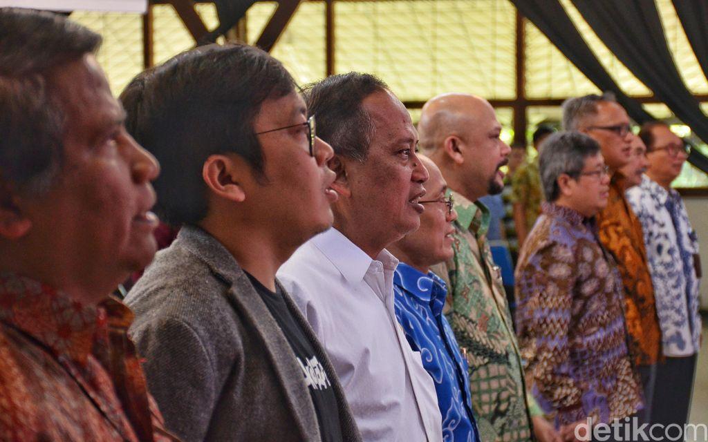 Menteri Riset Teknologi dan Pendidikan Tinggi Mohamad Nasir secara langsung meresmikan laboratorium riset tersebut, di Aula Barat ITB, Kampus ITB, Jalan Ganesha, Kota Bandung, Jumat (1/2/2019). Dalam acara itu hadir juga Rektor ITB Kadarsah Suryadi, CEO sekaligus founder Bukalapak Achmad Zaky.Foto: Satria Nandha/detikcom