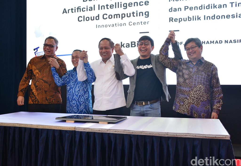 Bukalapak-ITB Artificial Intelligence (AI) & Cloud Computing Innovation Center. Demikian nama laboratorium riset tersebut. ‎Foto: Satria Nandha/detikcom