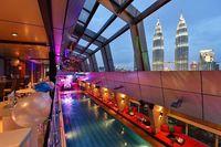 Liburan di Malaysia, Coba Makan Malam Istimewa di Rooftop Bar Ini