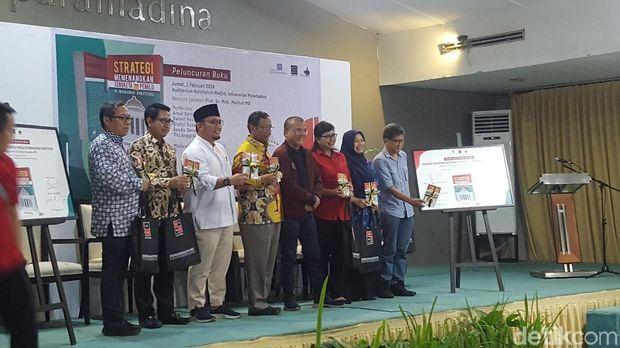 Di Launching Buku Denny Indrayana, Rocky Gerung Disapa 'Bos Akal Sehat'