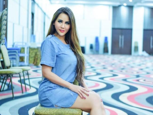 Kisah Nita Thalia yang Tak Peduli Dicibir karena Jadi Istri Kedua