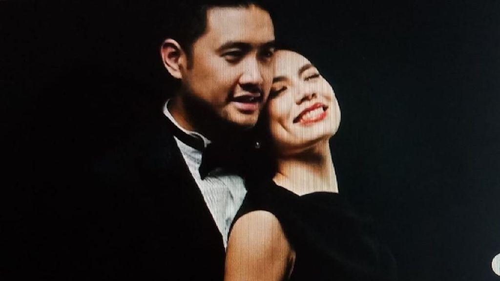Richard Muljadi dan Shalvynne Chang Serba Hitam-Putih di Prewedding