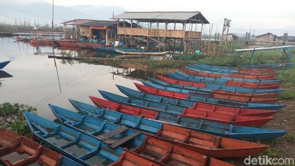 Jika pengunjung berniat mencari ikan segar, bisa saja langsung membeli kepada para nelayan yang berada di sekitar tepian Rawa Pening. Seru bukan? (Aji Kusuma/detikTravel)