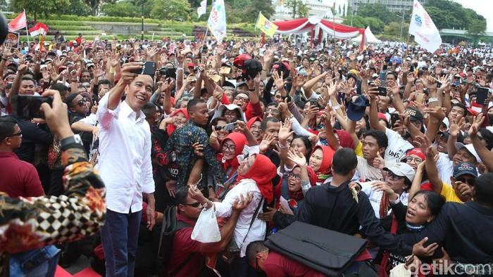 Jokowi di Surabaya (Rengga Sancaya/detikcom)