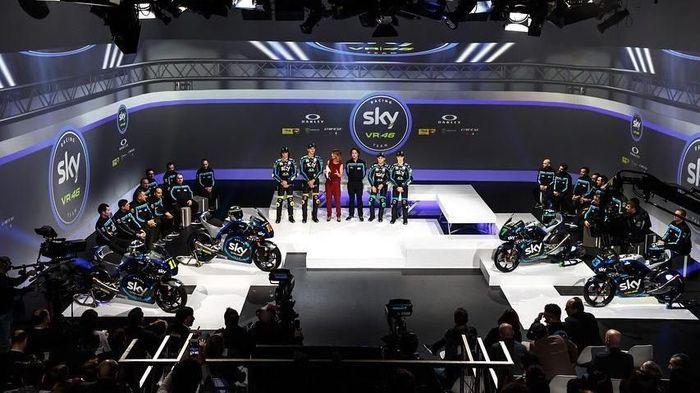 Sky Racing Team VR46 melakukan presentasi di Milan, Italia, untuk menyambut musim balap 2019. (Foto: Instagram @skyracingteamvr46)