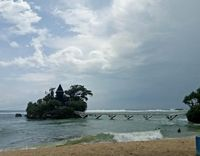 16 Pantai di Malang yang Memesona