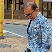 Perkenalkan Batik, Tantowi Yahya 'Fashion Show' di Jalanan New Zealand