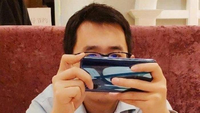 Perangkat ini diduga kuat sebagai Xiaomi Mi 9. (Foto: Weibo via SlashLeaks.com)