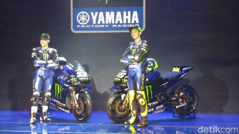 Vinales dan Rossi di depan motor mereka Foto: Ruly Kurniawan