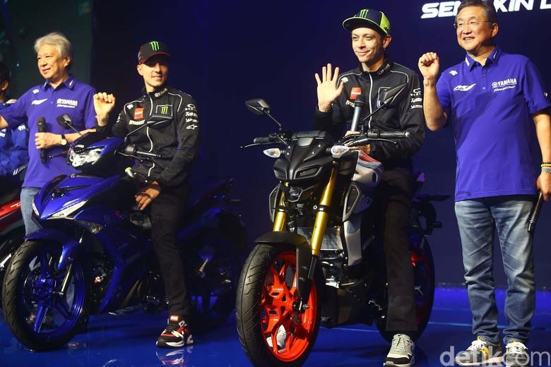 Rossi menumpangi Yamaha MT-15 Foto: Grandyos Zafna