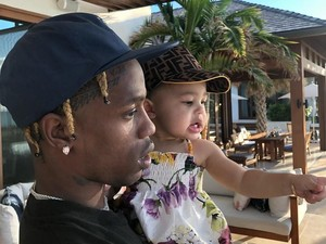 Baru Satu Tahun, Anak Kylie Jenner Sudah Punya Lamborghini Custom