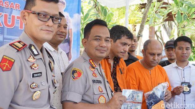 Ngaku Polisi, 2 WN Iran Curi Duit Turis China Ribuan Dolar di Bali