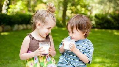 Kapan Waktu Terbaik Anak Minum Susu?