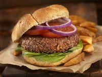 Hati-hati! Makan Daging Burger Setengah Matang Bisa Bahayakan Kesehatan