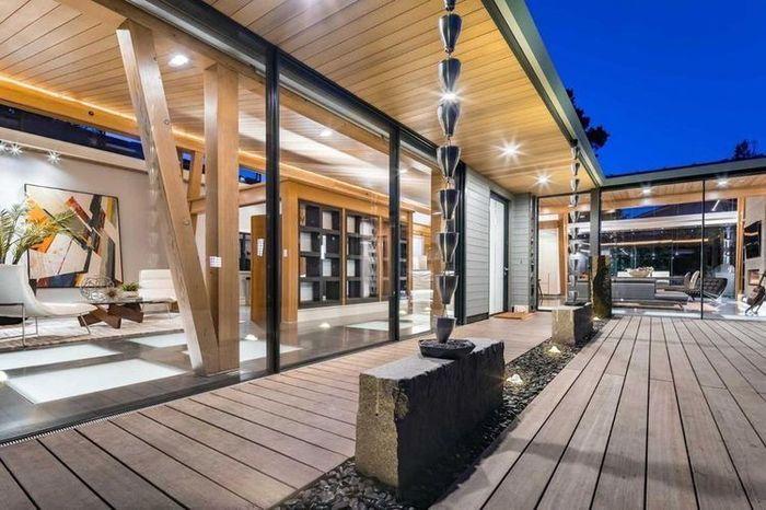 Era modern telah merambah ke seluruh sektor kehidupan, termasuk tempat tinggal di Crescent Park, Silicon Valley. Rumah tersebut dipenuhi paralatan super modern. Istimewa/realtor.com.