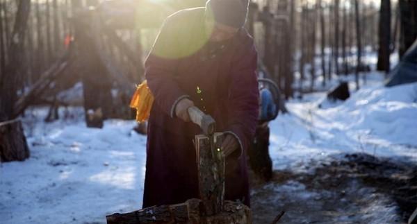 Suku Dukha yang nomaden mampu menentukan sabana terbaik untuk rusa setiap tahunnya. Gaya hidupnya benar-benar diarahkan pada kebutuhan untuk memelihara ternak rusa yang sehat (Taylor Weidman/BBC Travel)
