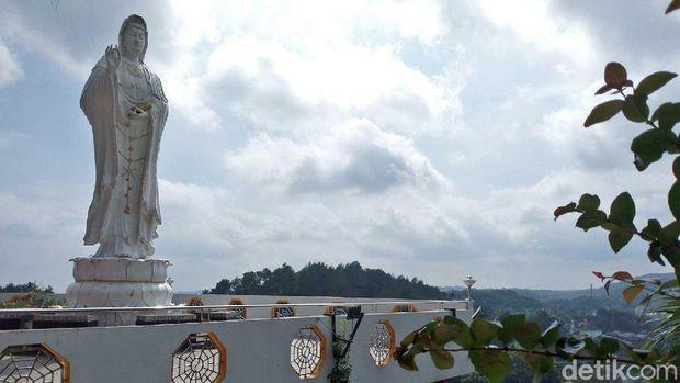 Vihara ini berada di ketinggian 472 meter (Aji/detikTravel)