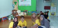 Berbagi Kisah dan Keceriaan di Rumah Singgah Kanker