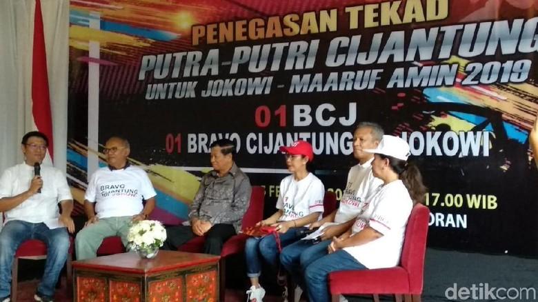 Dihadiri Agum Gumelar, Relawan Bravo Cijantung Deklarasi Dukung Jokowi