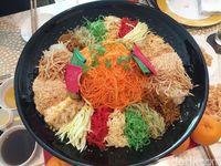 Yee Sang, Salad Imlek yang Enak dan Penuh Filosofi