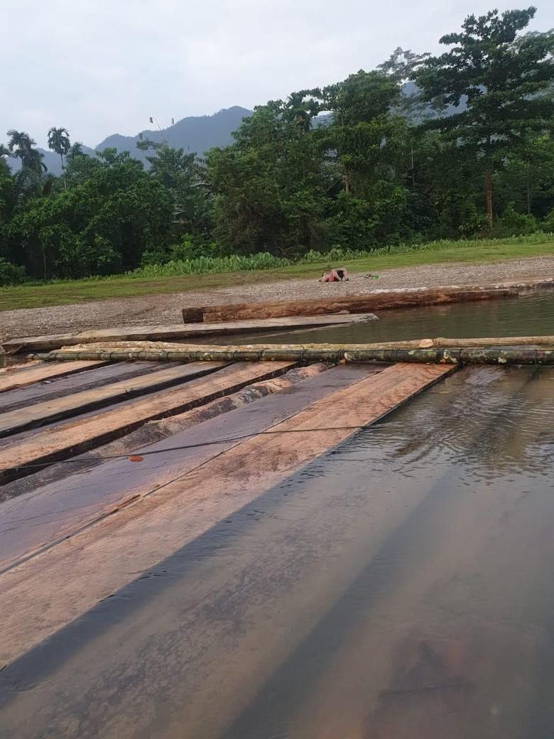 Ratusan Batang Kayu Olahan Disita dari Lokasi Pembalakan Liar di Aceh