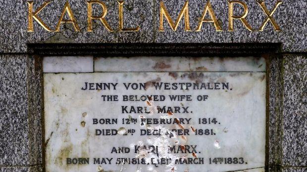 Makam Karl Marx di Inggris Dirusak