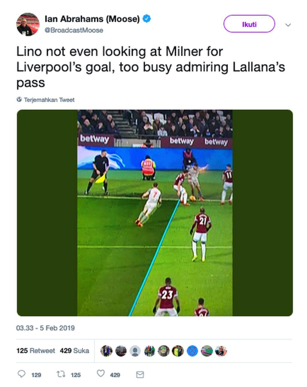 Begini proses gol tunggal Liverpool, yang berbau offside, dalam hasil 1-1 lawan West Ham. Netizen ini menyindir hakim garis bahkan tak melihat posisi James Milner. (Foto: Internet/Twitter)