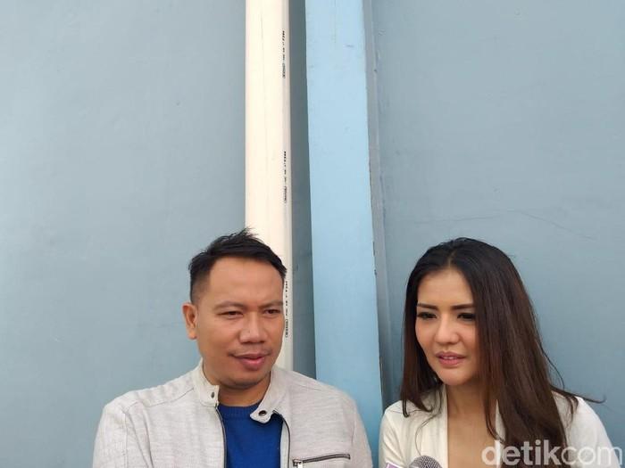 Ketahuan Dm Model Seksi Vicky Prasetyo Lamar Anggia Chan